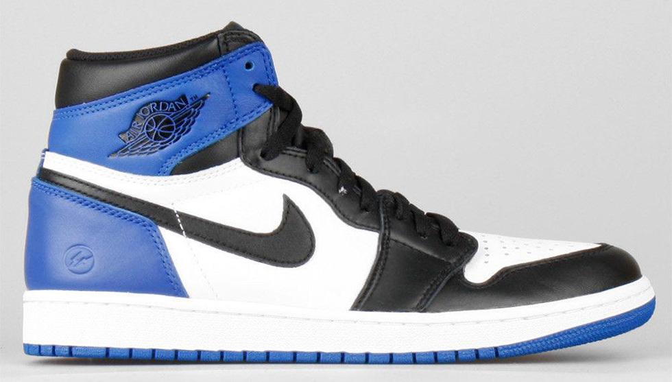 カラーは2014フラグメントデザイン×AJ1を彷彿とさせるブルー